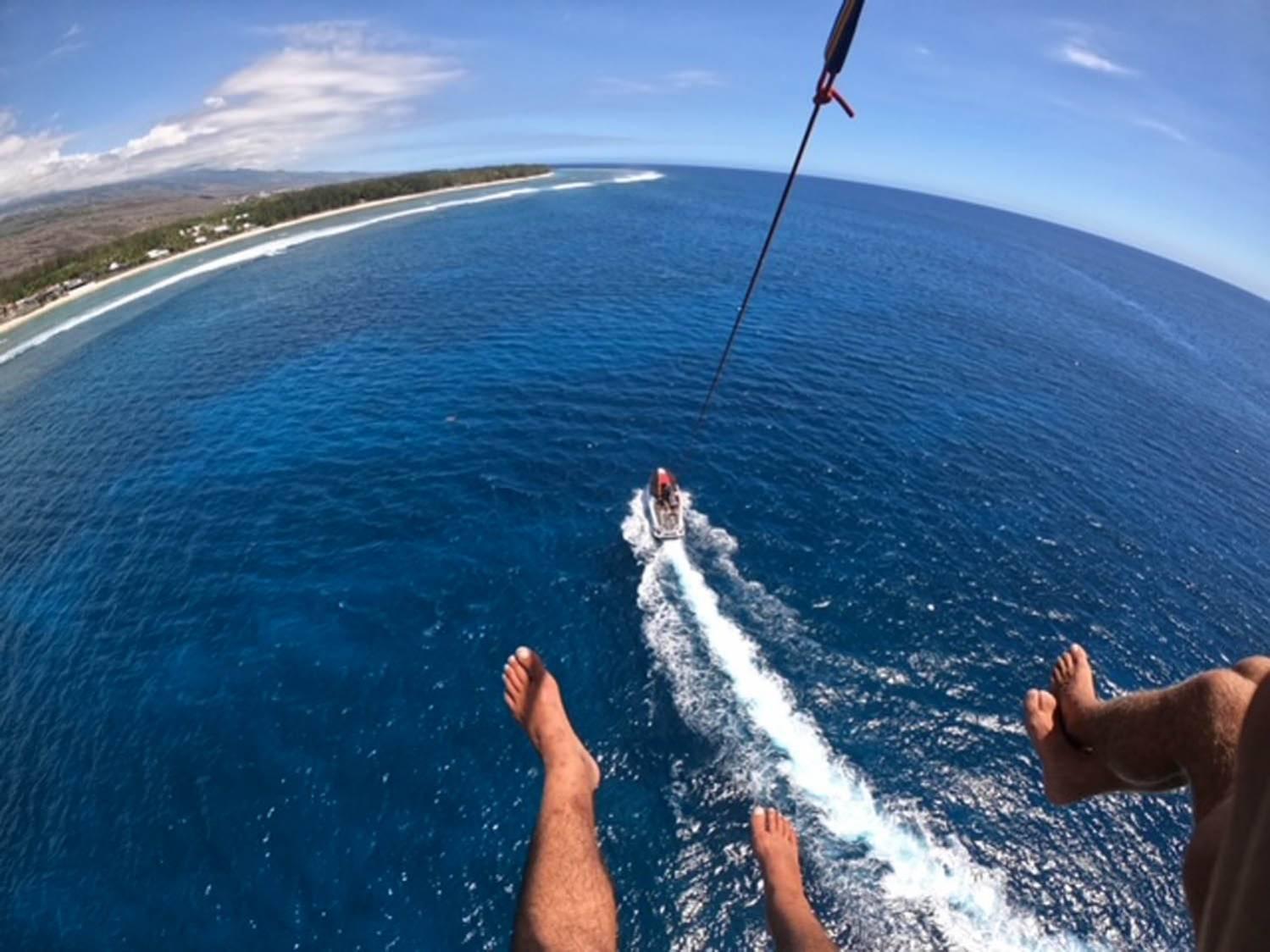 Parasail Reunion parachute ascensionnel saint gilles reunion 974