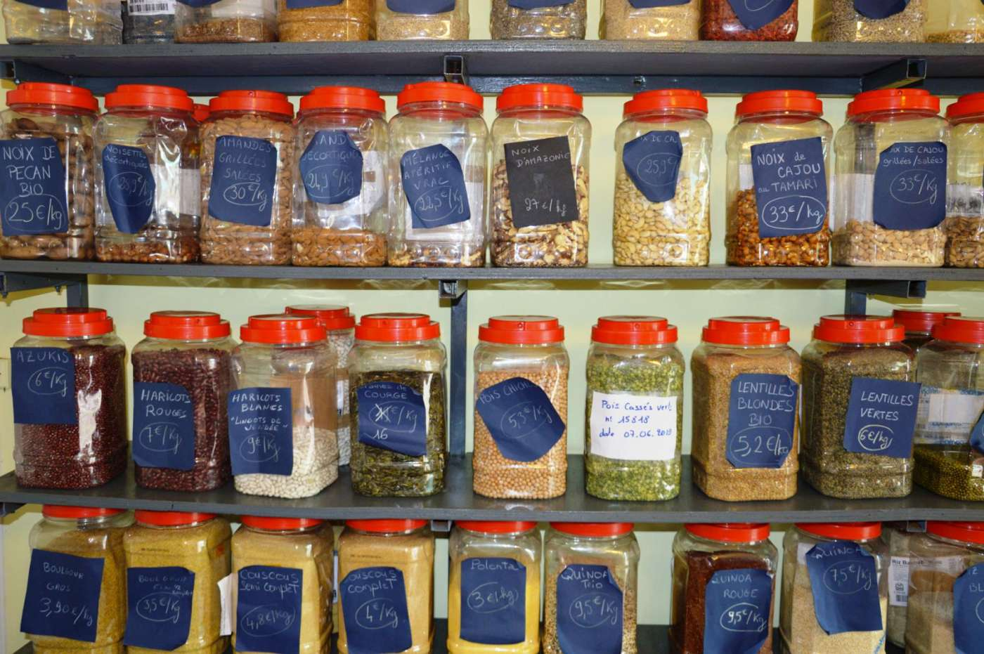 Le comptoir du vrac : l'épicerie qui compte sur et pour vous. 974