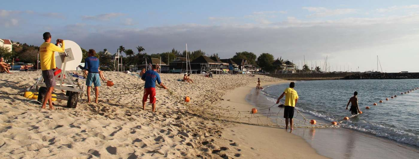 Les roches noires : plage et esplanade à (re)découvrir 974