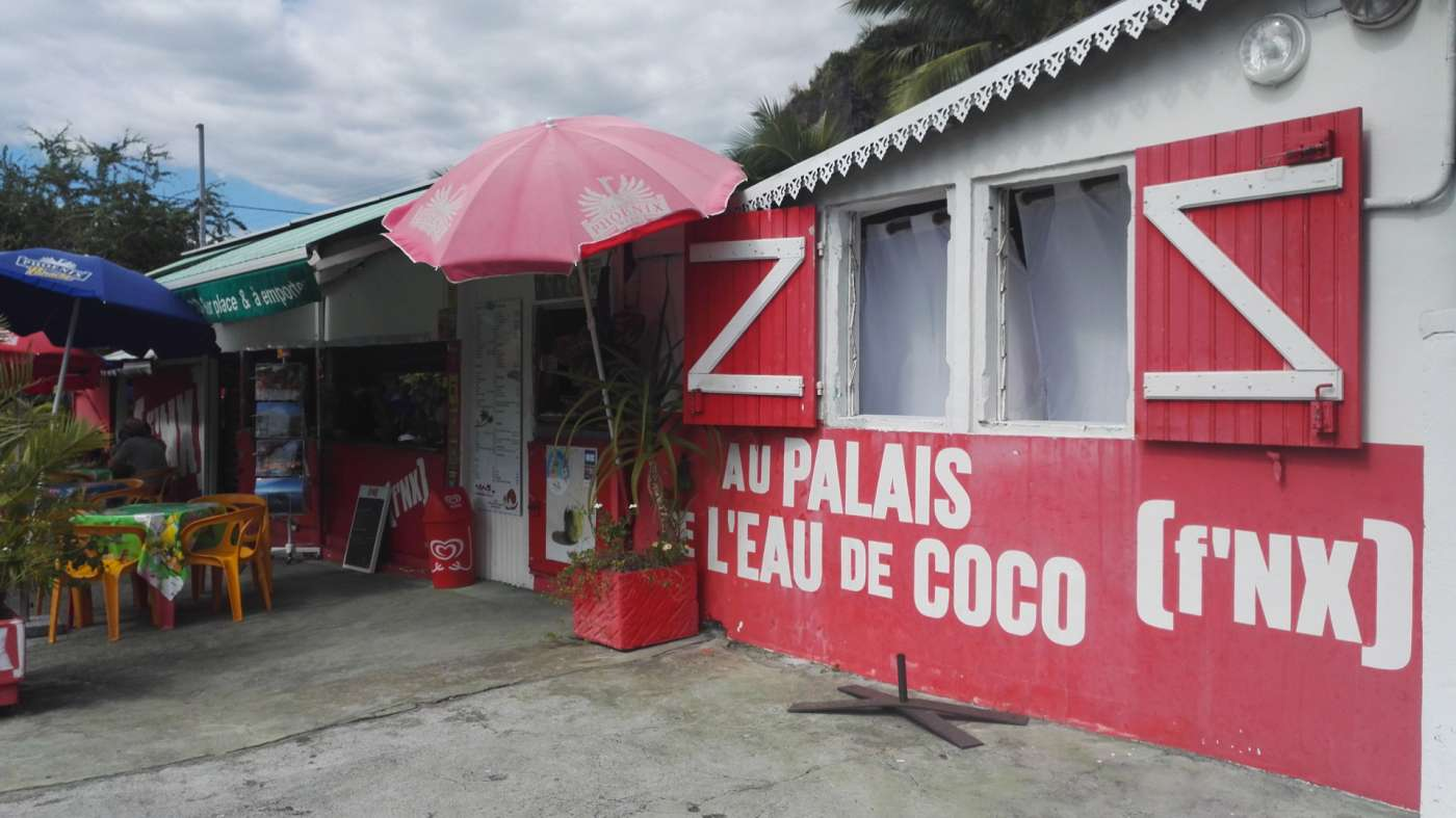 le palais de l'eau de coco : traditions pur jus 974
