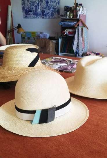 beau coup de chapeau ... avec à l'ombre du chapeau 974