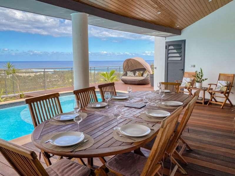 le top des villas avec piscine pour des vacances entre amis ou en famille à saint-gilles-les-bains 974