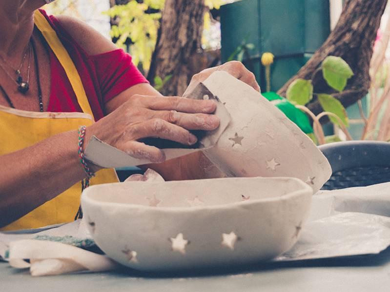 Mettez la main à la pâte avec les cours de poterie de Berthie, au village artisanal de l'Éperon  974