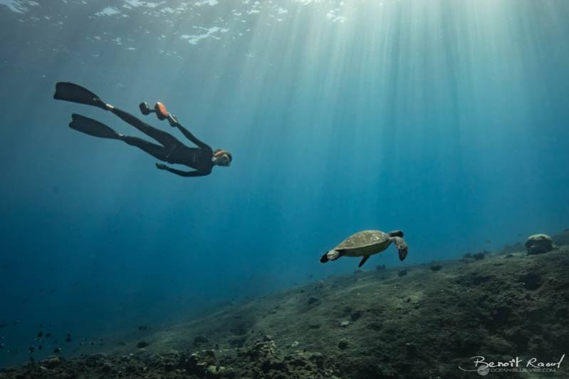 On a testé le scooter sous-marin : la nouvelle activité aquatique fun à découvrir dans l'Ouest ! 974