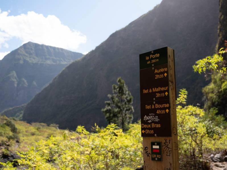Découvrir Mafate en un jour : notre sélection d'itinéraires de randonnées