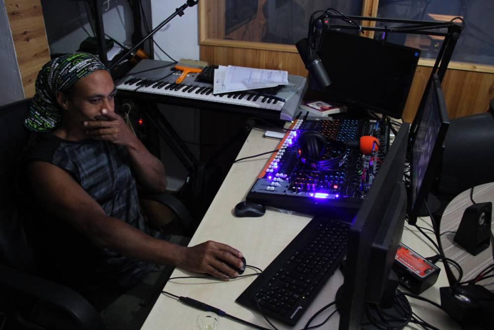 radio Mafate seule radio du cirque de Mafate à l'ile de La Réunion 974