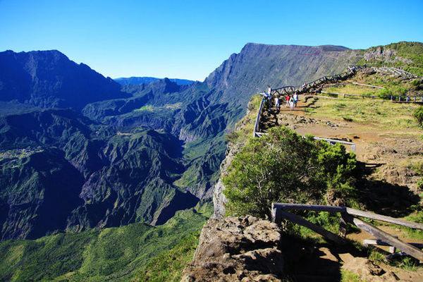 point de vue du maido sur Mafate ile de la Réunion