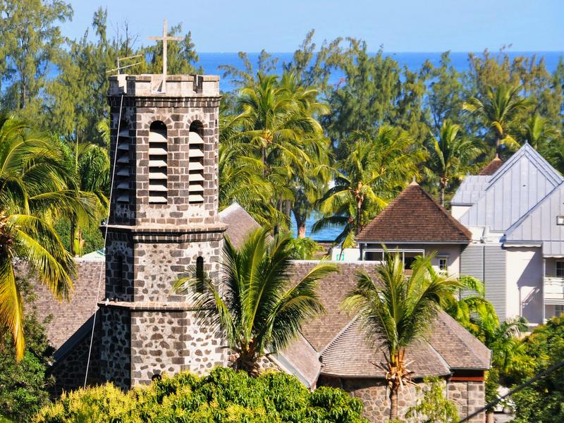Eglise dans le centre ville de Saint-Leu a l'Ile de La Reunion 974