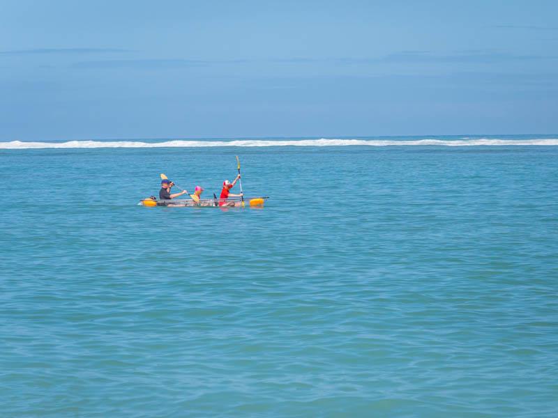 kayak transparent dans le lagon de l'ile de la réunion