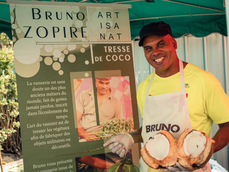 bruno coco la star du marché forain de saint-paul ile de la réunion