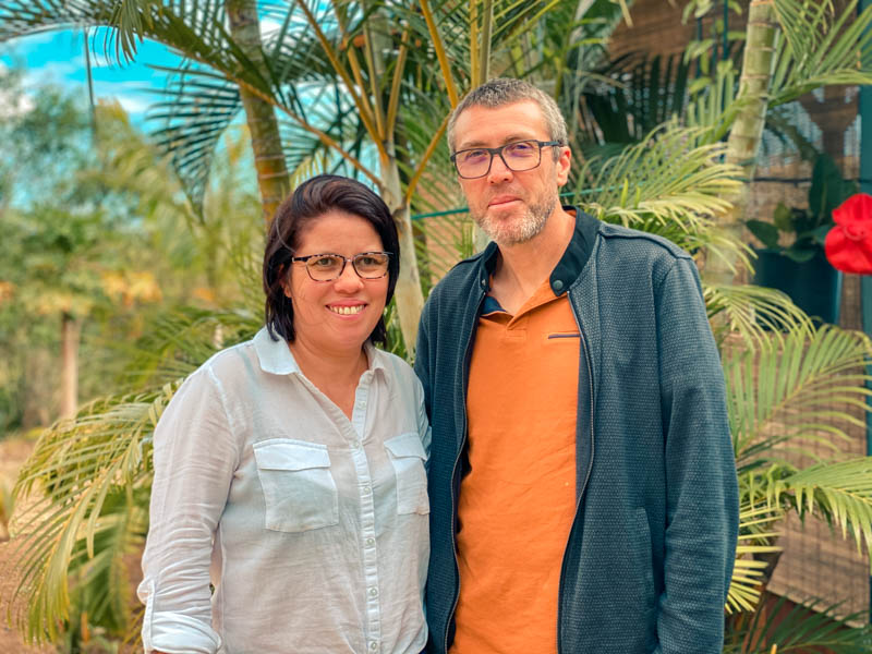 les propriétaires de la Kaze Kouzin table d'hôtes accueil paysan à l'ile de La Réunion