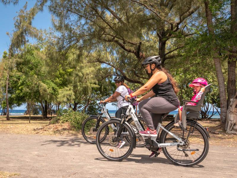 balade en vélo électrique sur le littoral de l'ile de La Réunion