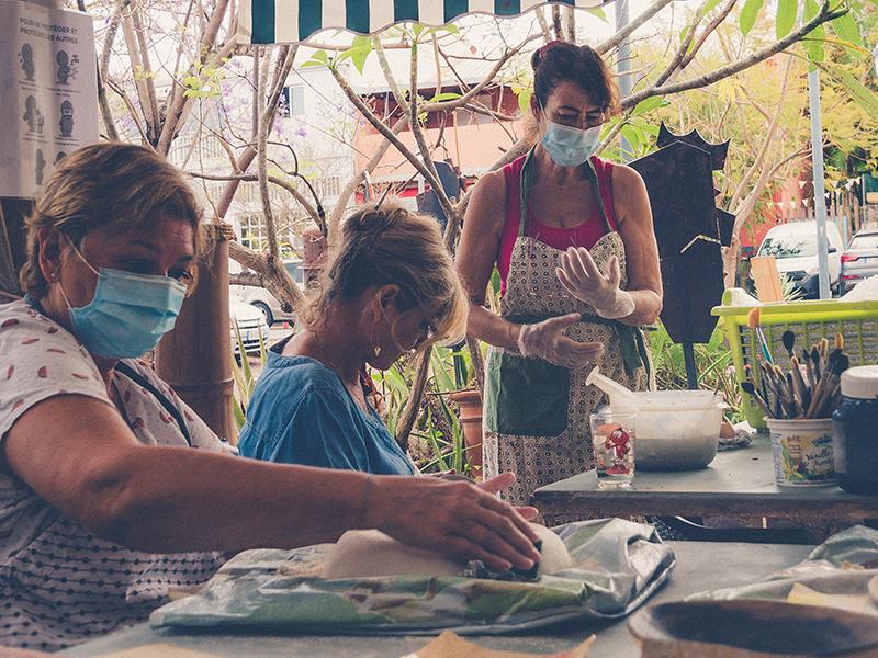 cours de poterie au village artisanal de l'éperon ile de la reunion 974 3