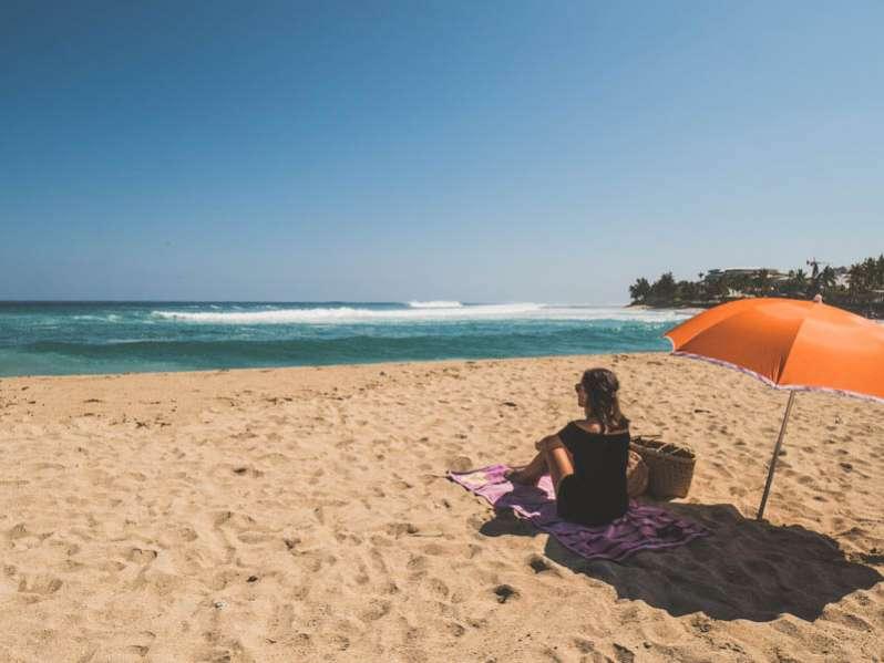 la plage des Roches Noires à Saint-Gilles ile de La Réunion 974