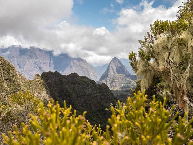 Le cirque de Mafate ile de La Réunion 974