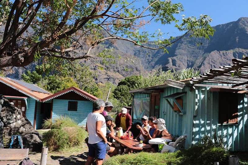 Les gîtes de Grand-Place dans le cirque de Mafate à l'ile de La Réunion 974