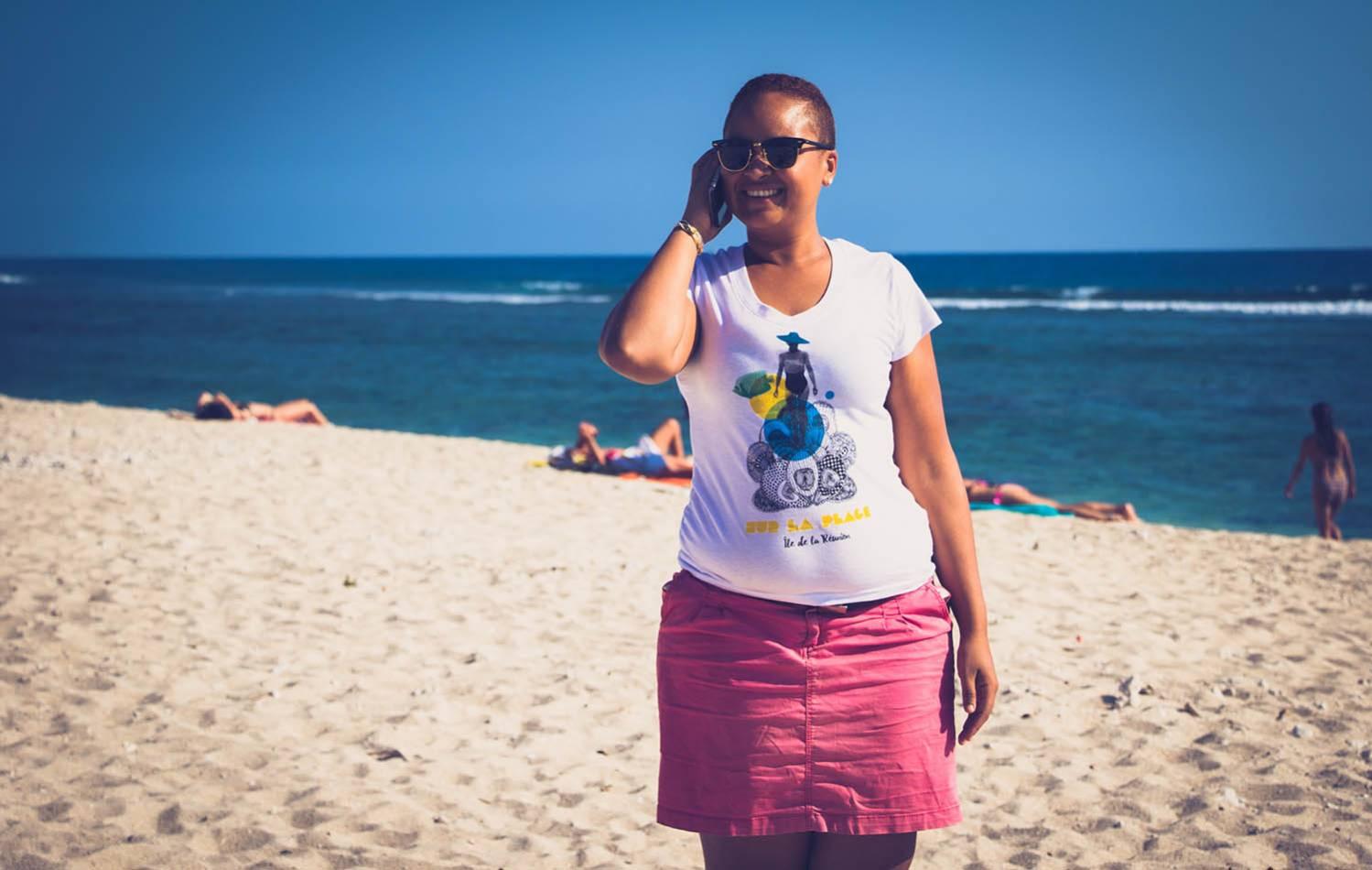 T-Shirt Femme sur la plage ile de La Réunion 974