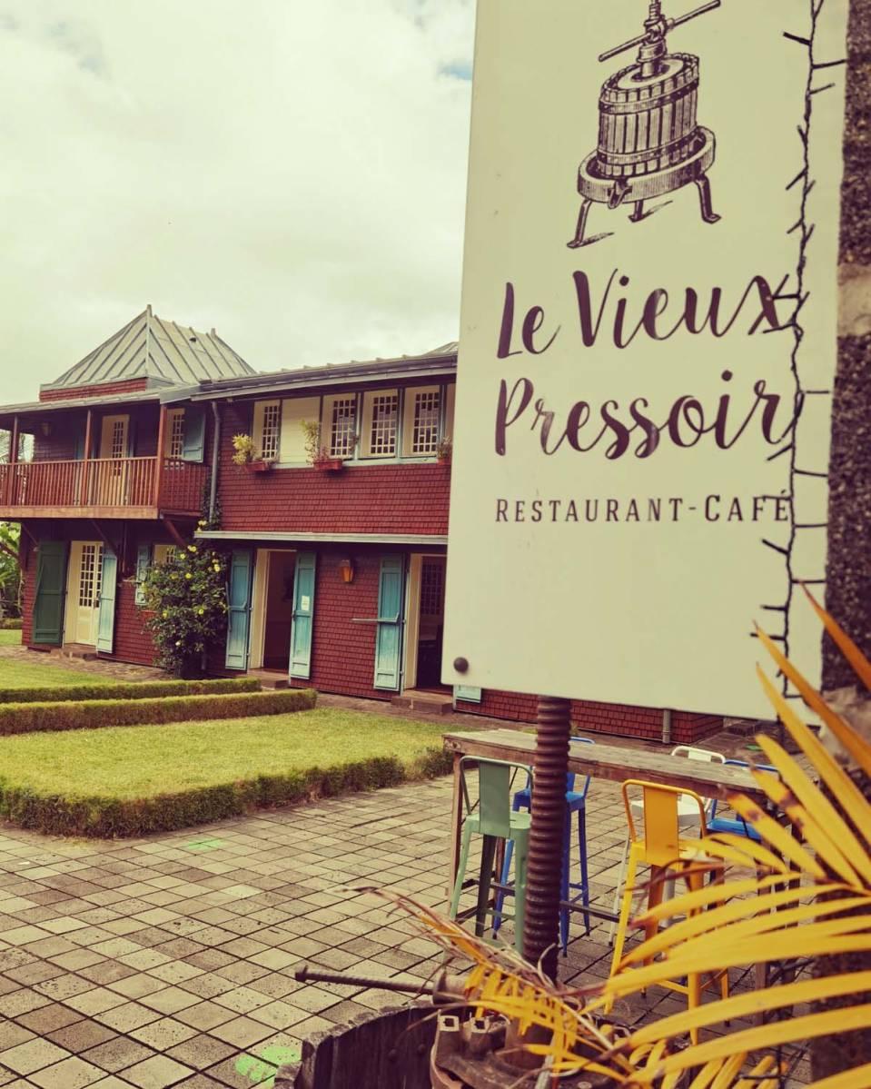 LE VIEUX PRESSOIR Saint-Leu 974