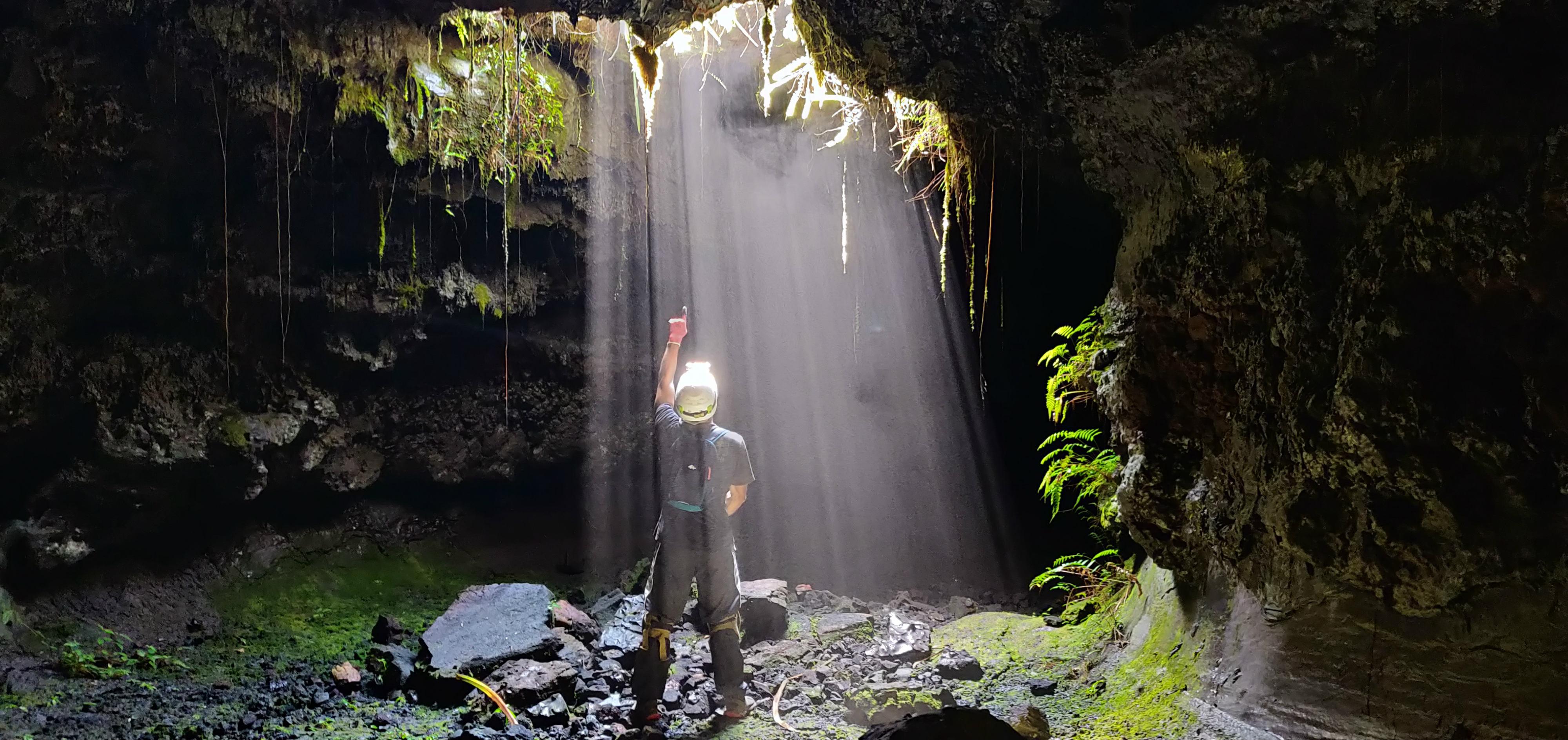VOLCANORUN - VISITE DU TUNNEL DE LAVE BASSIN BLEU DE ST GILLES, les randonnées et les visites guidées, Agenda, Saint-Gilles-Les-Bains, Office de Tourisme de La Réunion, Ouest La Réunion 974