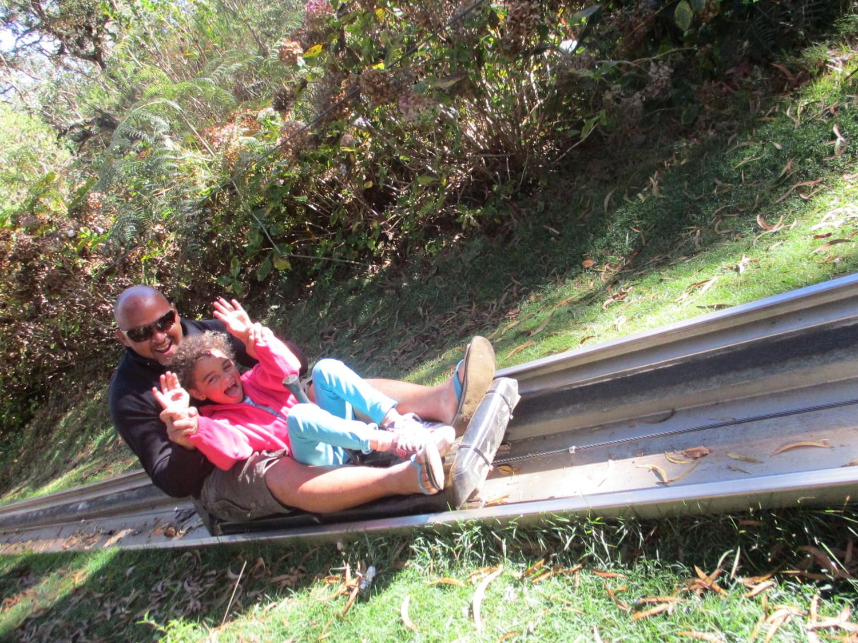 luge d'été en famille au Maïdo ile de la Réunion 974